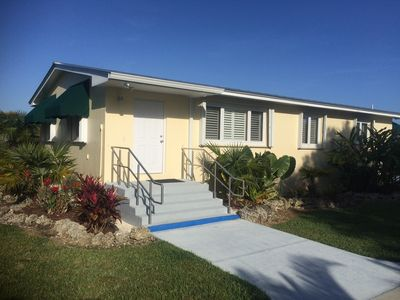 Photo for Beautiful Guest Home On 5 Acres.  Close to Everglades, Biscayne Bay, Fl Keys