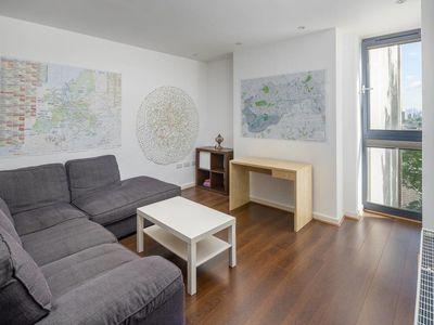 Photo for Cosy 1 bed in Clapham Junction 5 mins to station