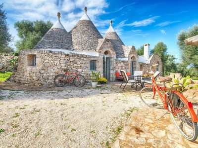 Photo for Stunning Puglia trullo with pool