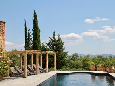 Photo for Stunning Hilltop Casa Padronale, Swimming Pool. Olive Groves and vines, woods