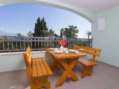 Photo for One bedroom apartment with terrace and sea view Sumartin, Brač (A-17267-d)