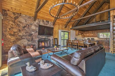 Find all the comforts of home and beyond in this vacation rental.
