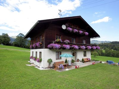 Photo for Spacious, child-friendly holiday home, directly on the golf course.