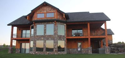 Wildfin Lodge - located on banks of the Snake River.