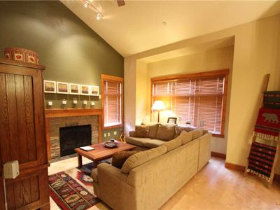 Photo for Deluxe, 3 Bed/2 Bath, Private Washer/Dryer, Walk to Eagle Lodge