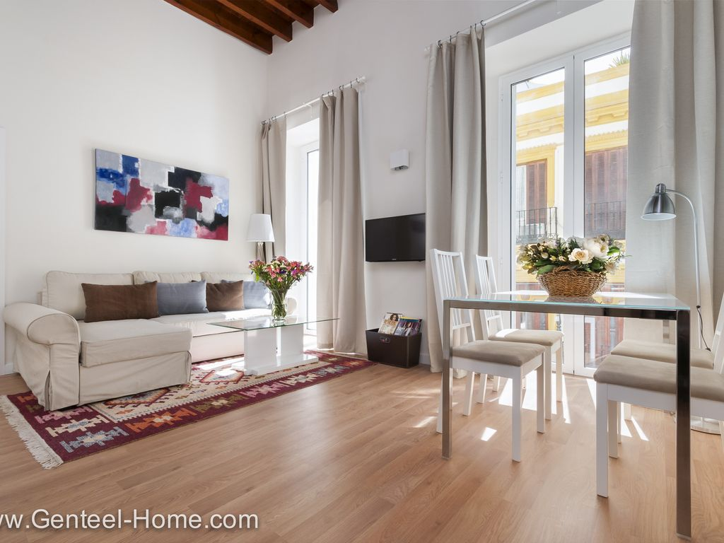 Zaragoza II.This wonderful apartment is located in the ...