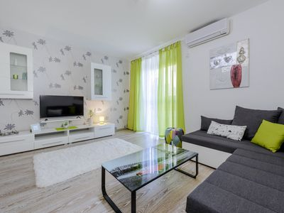 Photo for Dubrovnik beach apartment with BBQ