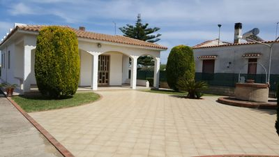 Photo for Villa Serena, with garden 50 meters from the beach between Avola and Lido di Noto