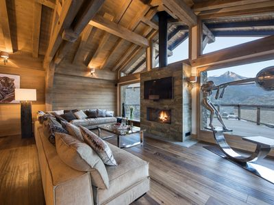 Photo for Stunning 5 bedroom luxury chalet in Tignes Le Lac