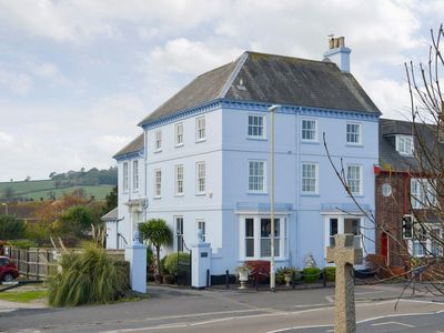 Photo for 1 bedroom property in Dawlish. Pet friendly.