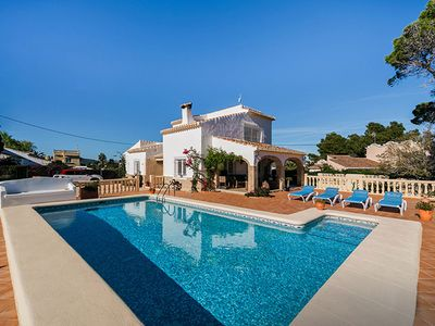 Photo for Villa George is a pretty, modern villa with sea views. It is set in a great location with lots of pr