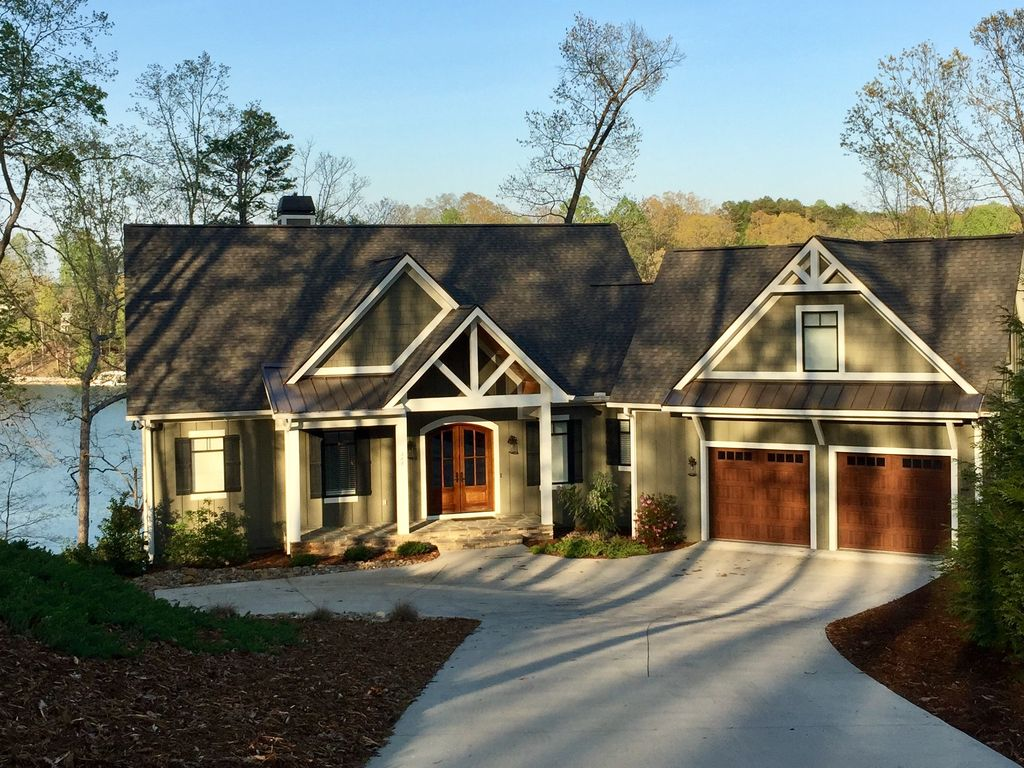 New listing beautiful lakefront home with homeaway for Prefab lake homes
