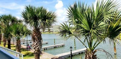 Photo for Gorgeous coastal decor and fantastic water views!