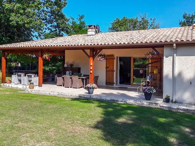 Photo for Lovely villa with a lot of privacy, swimming pools, golf, and a swimming lake !