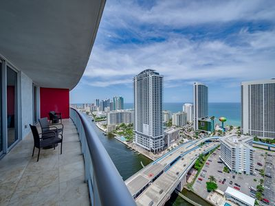 Photo for Million Dollar Penthouse with Stunning Views
