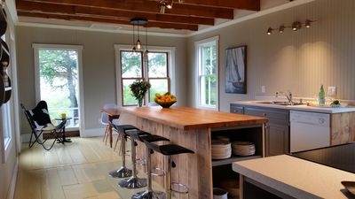Large open Kitchen, 7' Island, 100 yr old beams, original floors, 23'x13'