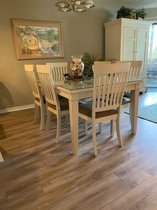 Dining Room with new furniture and flooring room for 6 (Armoire now in MBR)