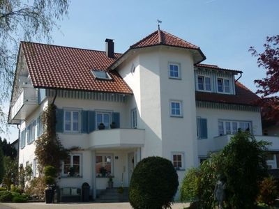 Photo for Charmante Ferienwohnung in Wasserburg am Bodensee