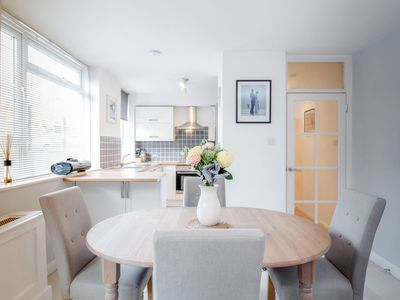 Photo for Putney Court - 1bed flat in Putney