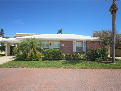 Photo for Horizons West #D-9 is a Beautiful 2 Bedroom, 2 Bath Villa at Horizons West on Siesta Key!