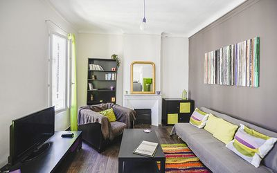 Photo for Charming apartment close to the Old Port