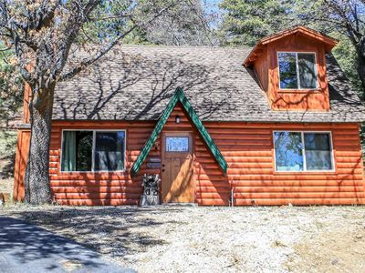 Photo for Felthaus Family Cabin -3BR/1BA/Private Deck with Hot Tub/WiFi/FREE 2 hour Kayak Rental!