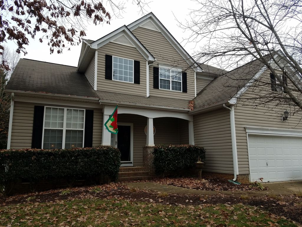 Race on over to charlotte motor speedway homeaway for Charlotte motor speedway condo rental
