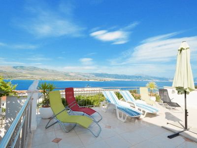 Photo for Tulip Deluxe apartment with pool, 2-4 persons, Mastrinka-near Trogir