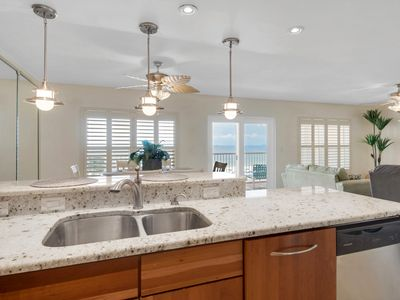 Photo for Islander 4004 - Gulf Front Condo, 2br/2ba, Large Bchfront Balcony, Amazing View