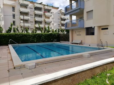 Photo for Spacious 3 bedroom apartment, pool and parking 300m from the beach