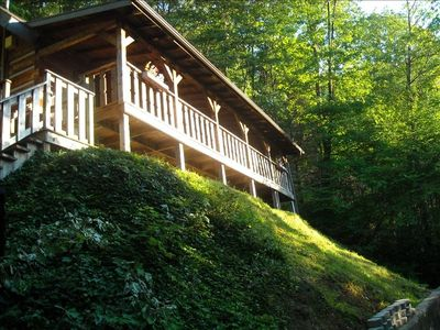 Authentic log home - isolated, secluded, the perfect social distance solution !