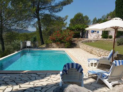 Photo for Provencal villa on large wooded area and panoramic view with private pool near Salernes