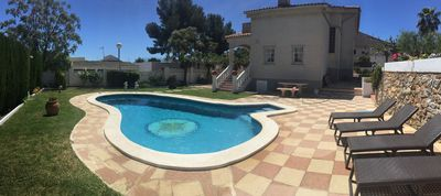 Photo for Magnificent house with pool and garden of 600 m2