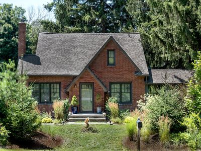 Photo for The PrairieWood ~ A Private Upscale Home On 10 Acres Of Wooded Prairie Land