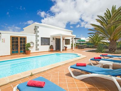 Photo for Casa Palmera - Villa for 8 people in Playa Blanca