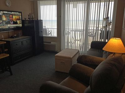 Spacious living Room w/rocker/recliner, sofa sleeper couch, and awesome view!