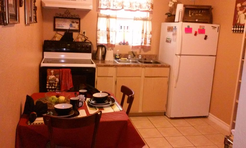 Furnished Studio Apt. ABP- Perfect 4 Extended Stays