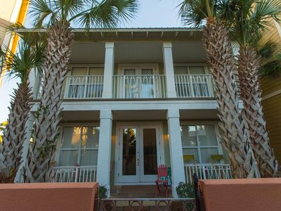 Photo for Location !!  Just remodeled Jan 20, Adorable home on the pool deck1blck to beach