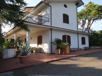 Photo for 4BR Villa Vacation Rental in BENEVENTO