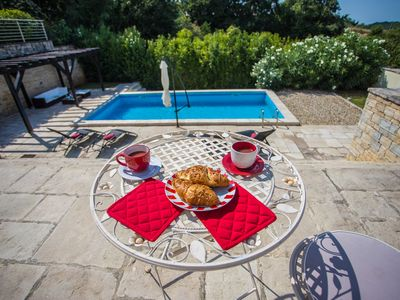 Photo for Charming villa with private pool in Momjan