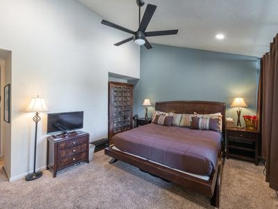 Photo for Park Ave 2nd Floor Studio - Sleeps 3, Walk To Town And Shuttle Or Walk to Ski Lift, Pool And Hot Tub