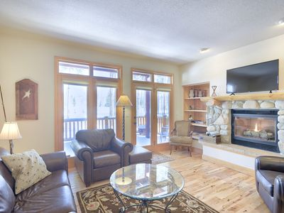 Photo for Beautiful NEWER 3 Bed 2.5 Bath + Loft Sleeps 8!!!