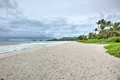 This property is within walking distance of Kalama Beach Park!