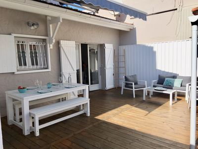 Photo for Ideally located pied à terre, just off the beach of Horizon.