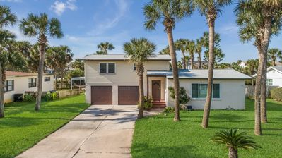 Photo for NEW Turtle Paradise with Private Pool, One block to Beach, Remodeled, Sleeps 8