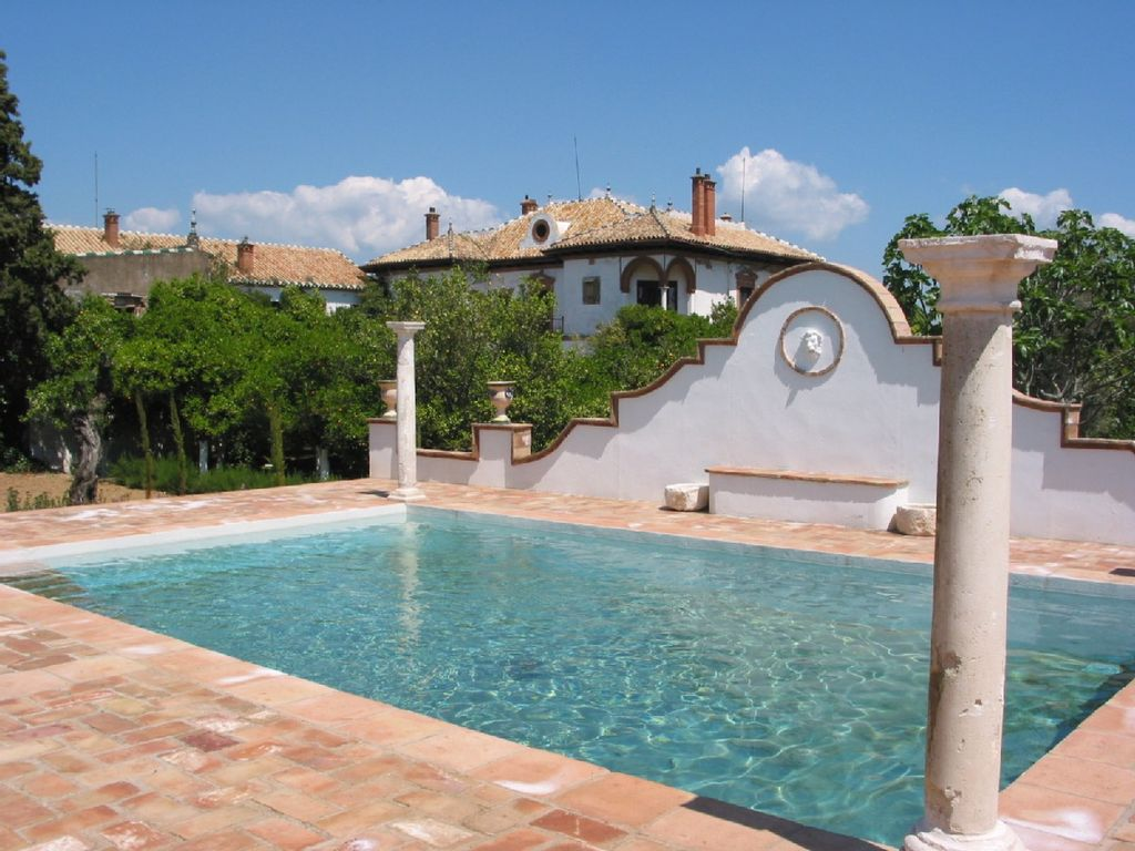 Luxury charm accomodation for groups in a homeaway - Piscinas altas ...
