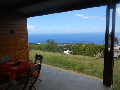 Photo for F2 Saint-Leu panoramic view Ocean and coast + good paragliding