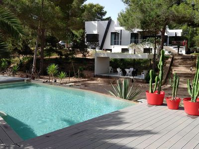 Photo for Lovely Villa Roja in Ibiza, with private pool, 5 bedrooms, 10 sleeps.
