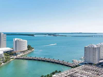 Photo for SUMMER VACATION DEAL- 2 BED/1 BATH @ ICON/W frm $199 per nite - DIRECT BAY VIEW!