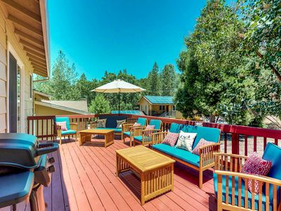 Photo for Family-friendly cabin w/ shared pool, tennis & golf-lake nearby
